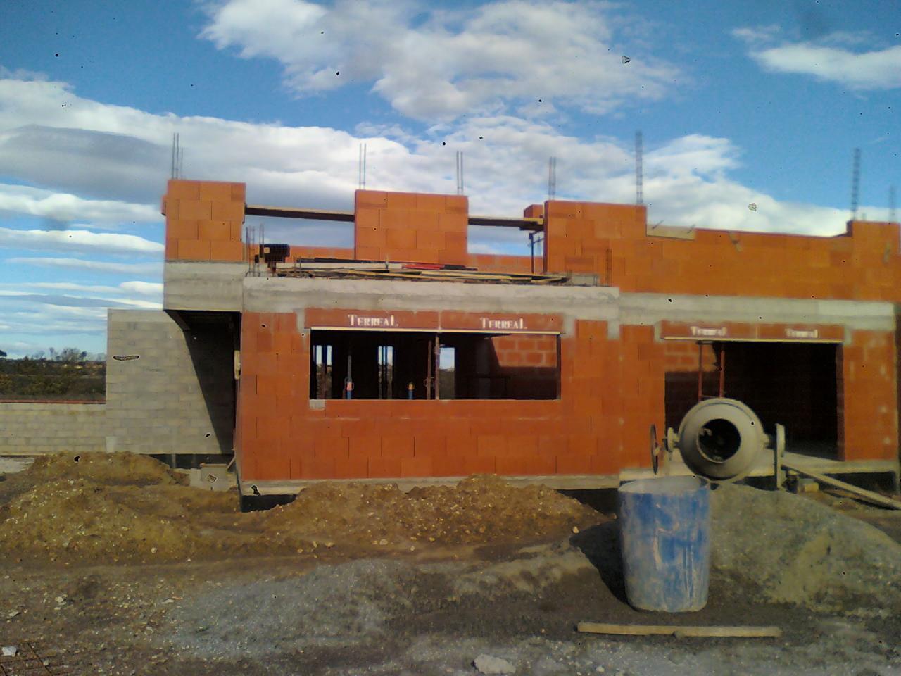 Elévation murs d'étage à débord sans poteau