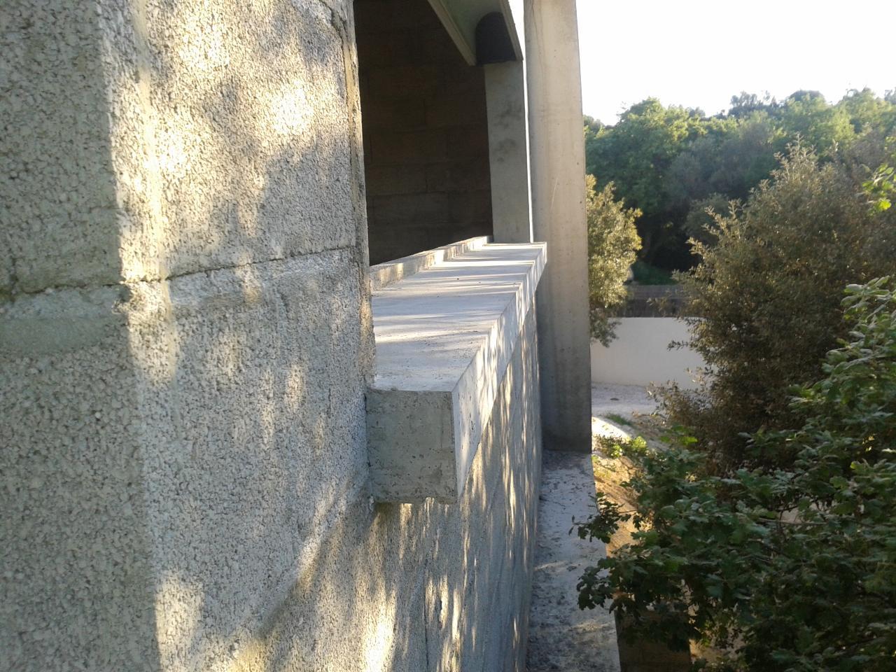 appuis de fenêtres béton lissés coffrés sur place