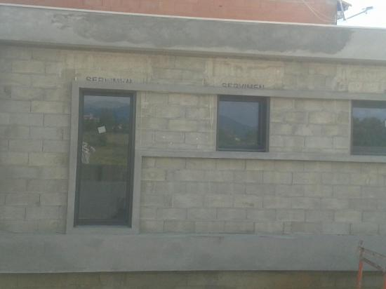 Decoffrage casquette décorative contour de fenêtres