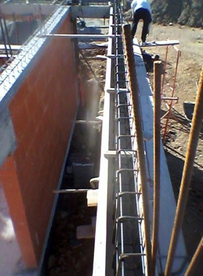 coffrage poutres porteuses d'étage à débord sans poteau