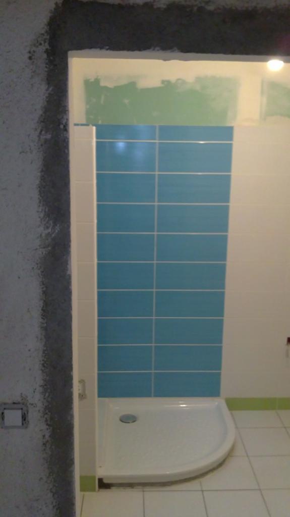 Salle de bain étage en cours de rénovation