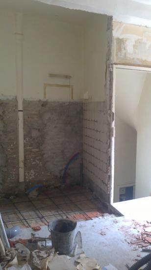 Préparation  dalle de salle de bains étage