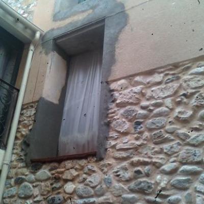 Réalisation ouvertures en façade et allée en pavés vieillis