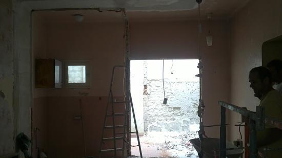 Vue après la démolition salle de bains chambre parentale